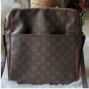 Louis Vuitton VTG Crossbody Marceau GM Excellent